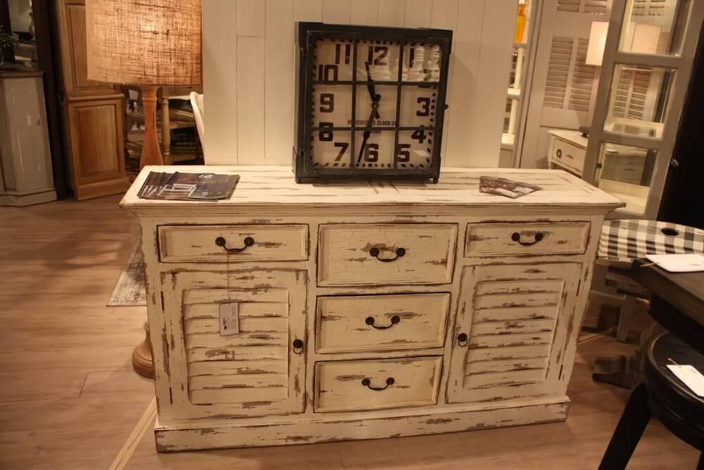 Distress furniture